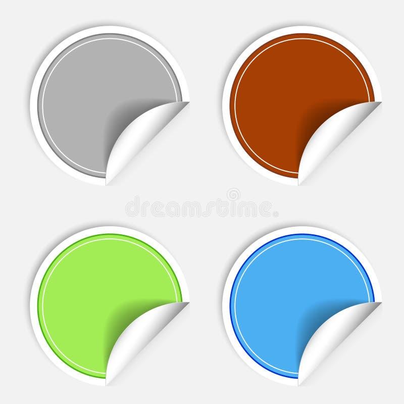 Insieme degli autoadesivi di carta variopinti su fondo bianco Bollo rotondo delle etichette dell'autoadesivo Autoadesivo di Vecro illustrazione di stock