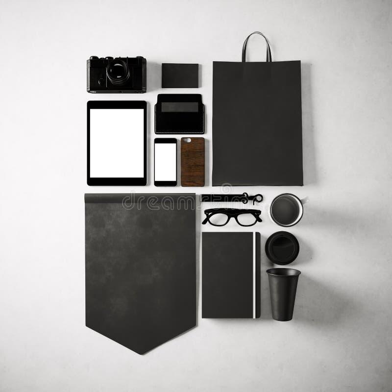 Insieme degli elementi generici dell'ufficio progetti sui precedenti bianchi Quadrato, vista superiore 3d rendono royalty illustrazione gratis