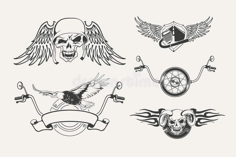 Insieme degli emblemi del motociclo, distintivi, etichette illustrazione di stock