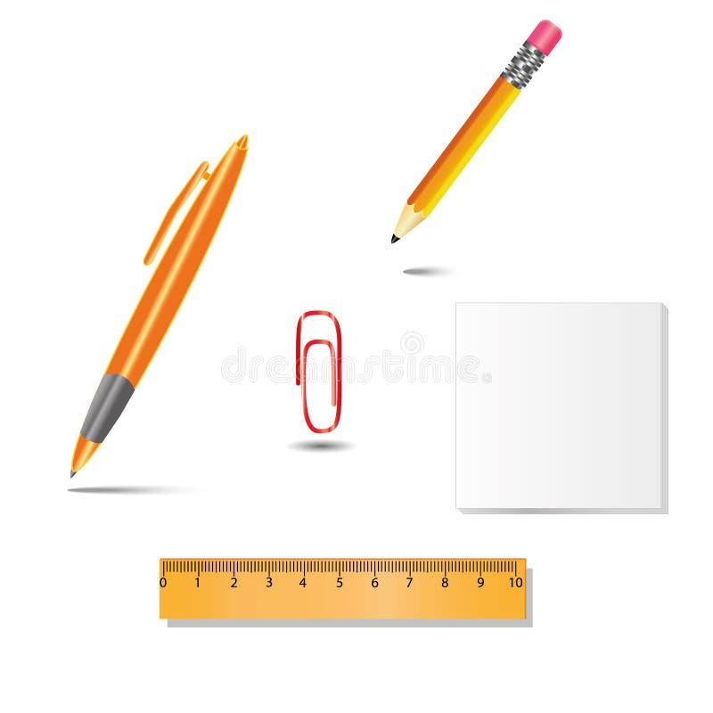 Insieme degli strumenti dell'ufficio, penna, matita, graffetta, righello, carta su fondo bianco con le ombre fotografia stock
