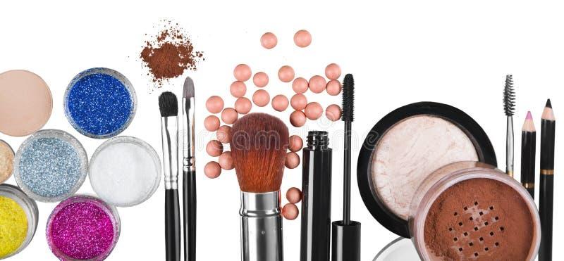 Download Insieme Dei Cosmetici Decorativi Su Fondo Fotografia Stock - Immagine di estetica, nessuno: 117977324