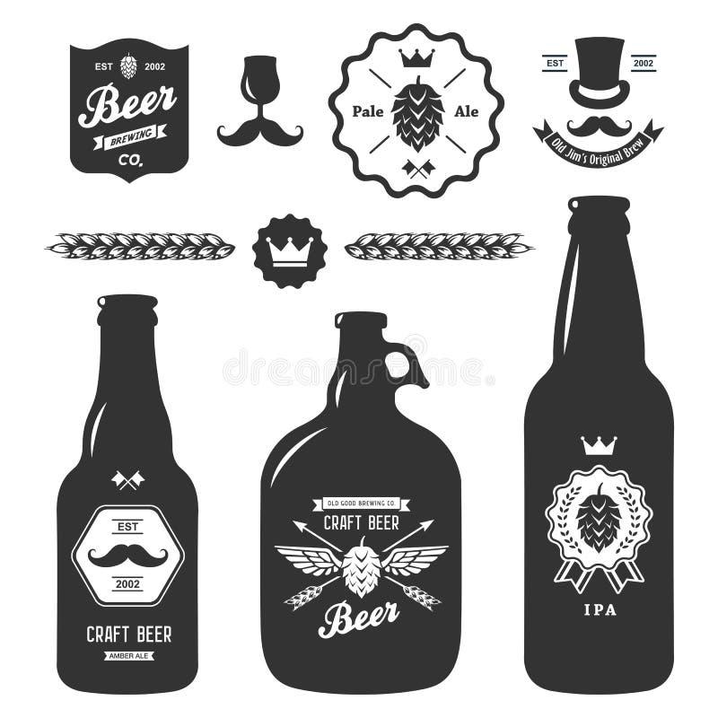 Insieme dei distintivi d'annata della fabbrica di birra delle bottiglie di birra del mestiere illustrazione vettoriale