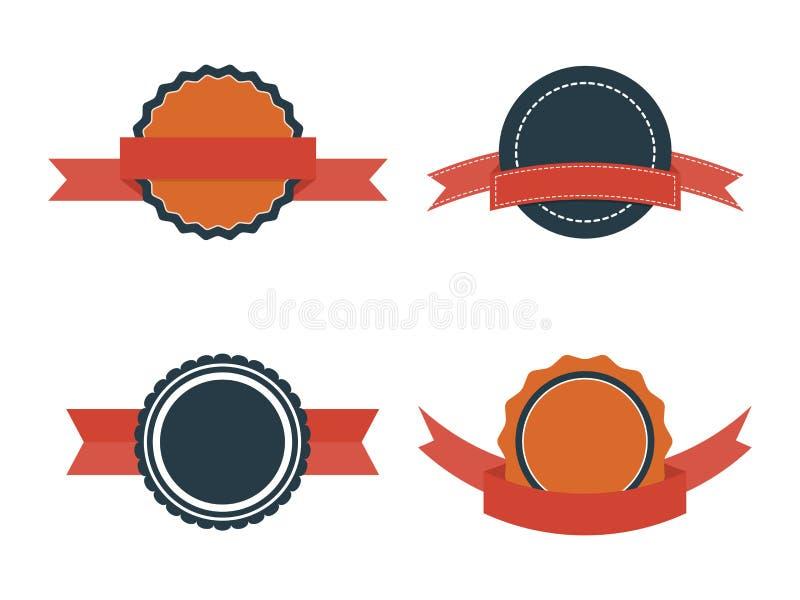 Insieme dei distintivi piani Etichette d'annata e nastri del distintivo di vettore su fondo bianco illustrazione vettoriale