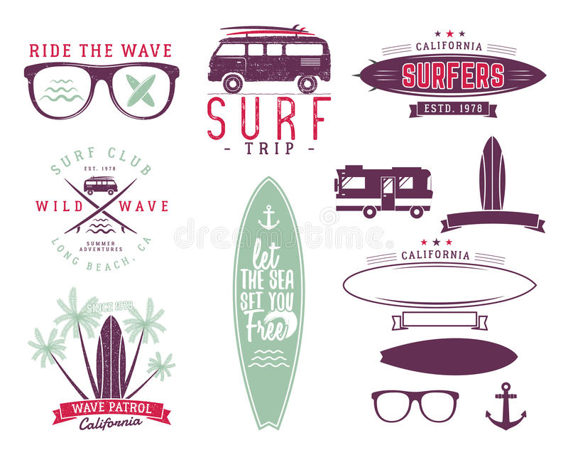 Insieme dei grafici e degli emblemi praticanti il surfing dell'annata per web design o le stampe Surfista, progettazione di logo  illustrazione di stock