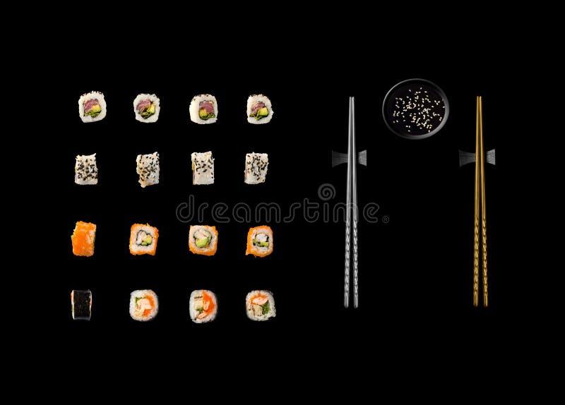 Insieme dei sushi giapponesi isolati su fondo bianco fotografia stock