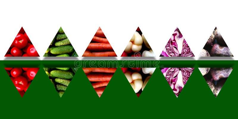 Insieme dei triangoli rispecchiati in pieno degli ortaggi freschi fotografia stock libera da diritti