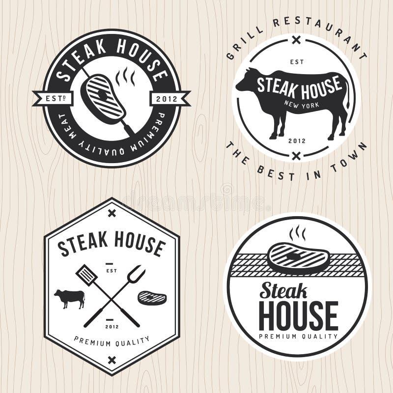 Insieme del logo, dei distintivi, delle etichette e delle insegne dello steakhouse per il ristorante, negozio di alimenti illustrazione vettoriale