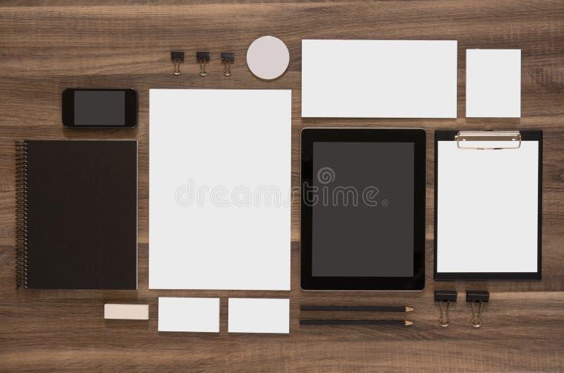 Insieme del modello di marca di affari del modello su di legno fotografia stock libera da diritti