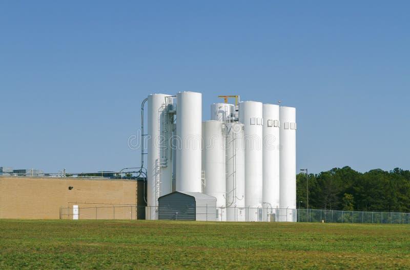 Insieme del silos industriale di stoccaggio fotografie stock