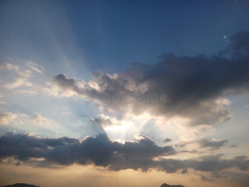 Insieme del sole di sera fotografie stock
