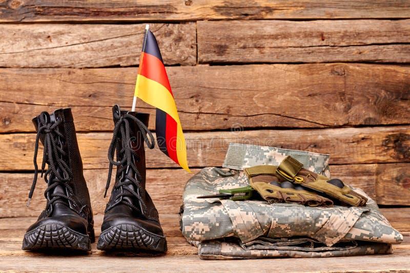 Insieme dell'attrezzatura militare del soldato di deutsch fotografia stock