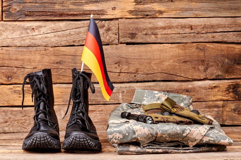 Insieme dell'attrezzatura militare del soldato dell'esercito di deutsch immagini stock