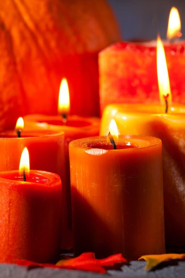 Insieme delle candele e della zucca fotografie stock libere da diritti
