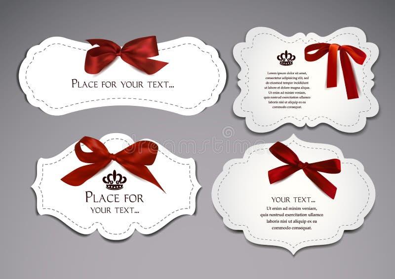 Insieme delle carte eleganti con gli archi di seta rossi royalty illustrazione gratis