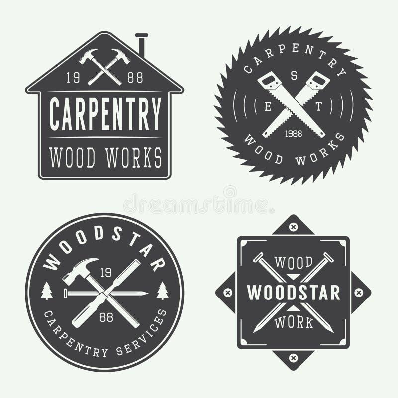 Insieme delle etichette d'annata del meccanico e di carpenteria, degli emblemi e del logo illustrazione vettoriale