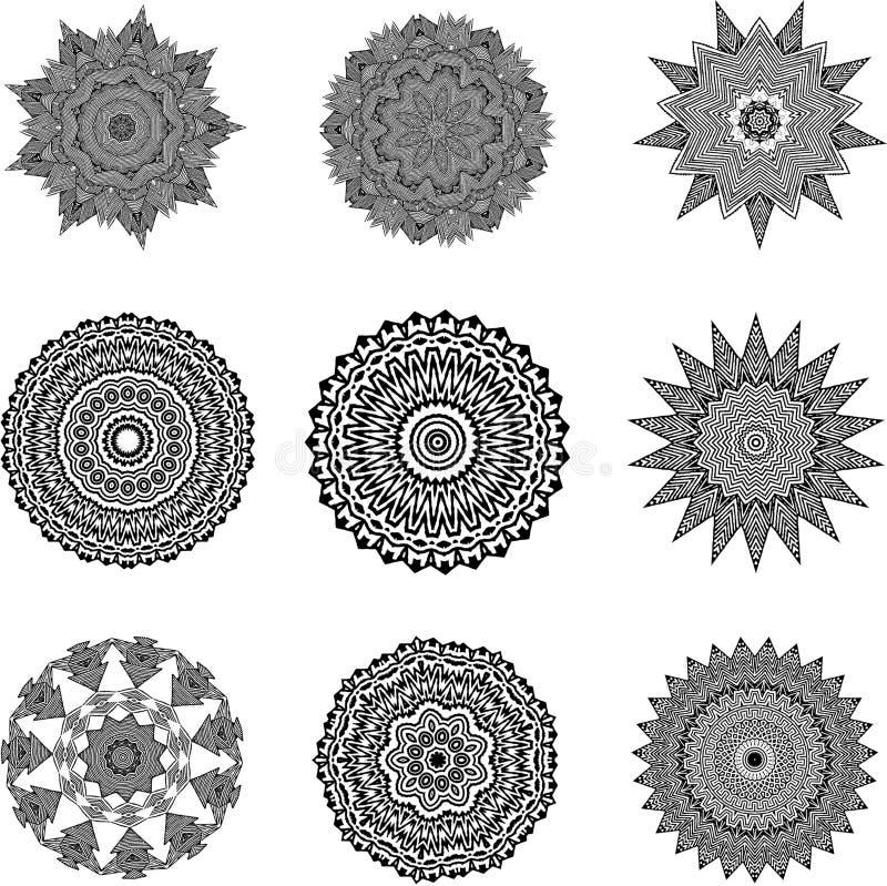 Insieme delle mandale in bianco e nero illustrazione vettoriale