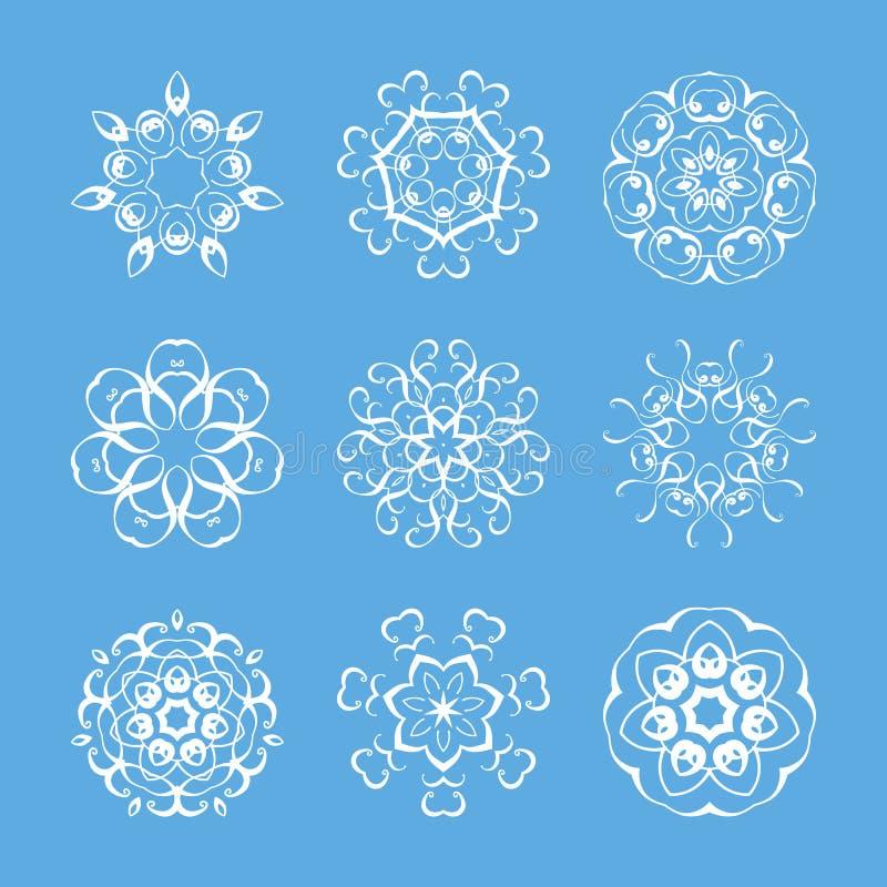 Insieme delle mandale decorate del monogramma Modello circolare elegante royalty illustrazione gratis