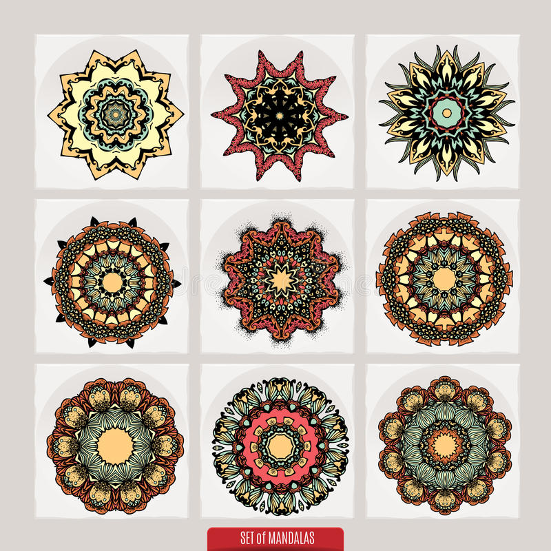 Insieme delle mandale Ornamenti rotondi decorativi modelli di terapia di Anti-sforzo Elementi di progettazione del tessuto Logos  illustrazione vettoriale