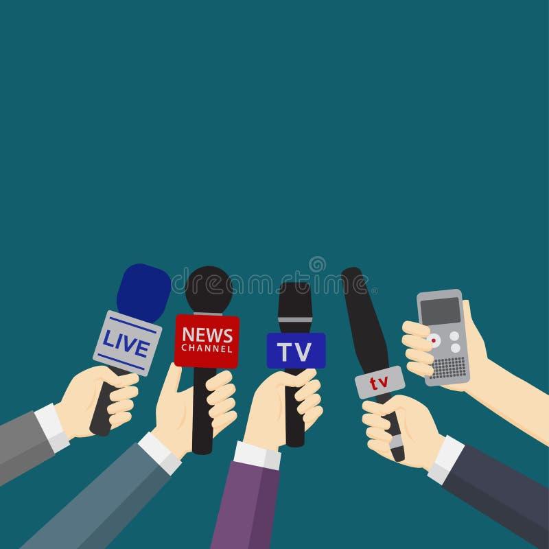 Insieme delle mani che tengono i microfoni ed i registratori digitali illustrazione di stock