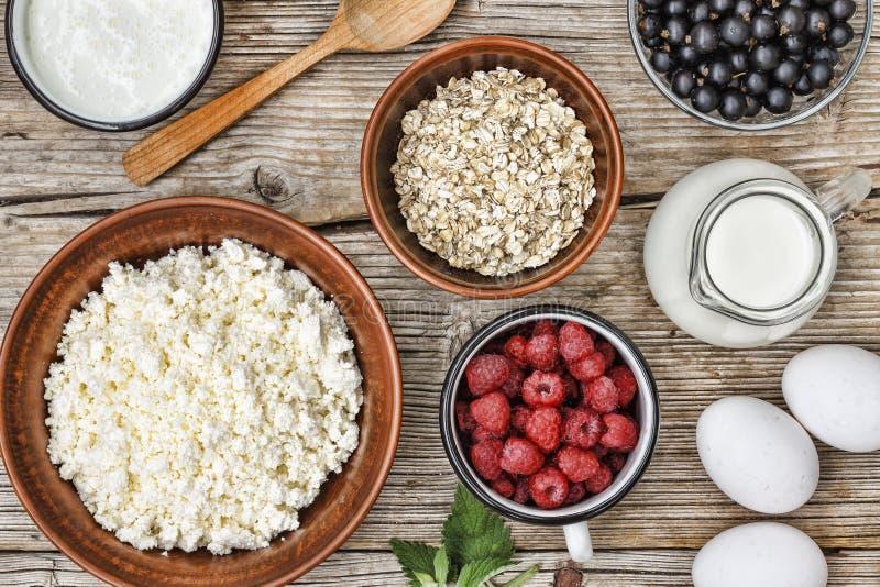 Insieme di alimento sano, prodotti lattier-caseario, alimento, sano, frutta, fresca, prima colazione, fondo, dieta, fotografia stock libera da diritti