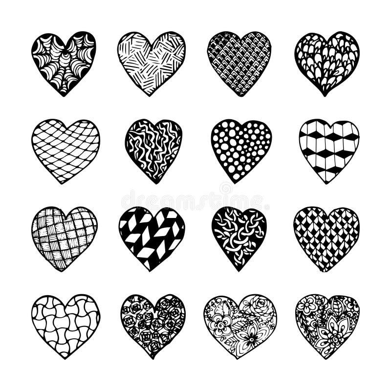 Insieme di bei cuori monocromatici disegnati a mano in bianco e nero isolati royalty illustrazione gratis