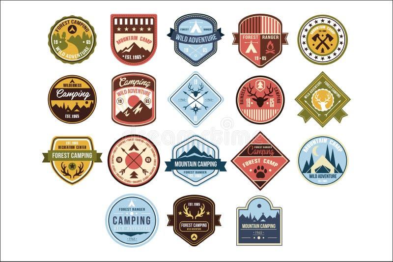 Insieme di campeggio di logo della montagna, avventura selvaggia, retro illustrazioni di vettore del distintivo della guardia for royalty illustrazione gratis