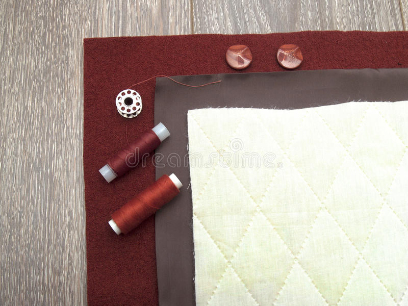 Insieme di dressmaking e di cucito immagini stock