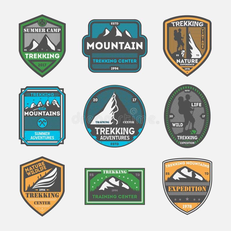 Insieme di etichetta isolato annata di spedizione di trekking illustrazione di stock