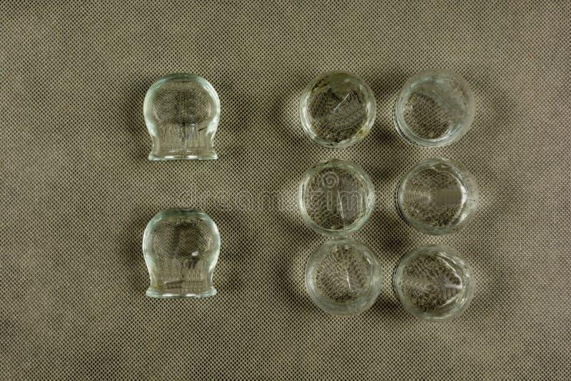 Insieme di foggiare a coppa per la medicina alternativa fotografia stock