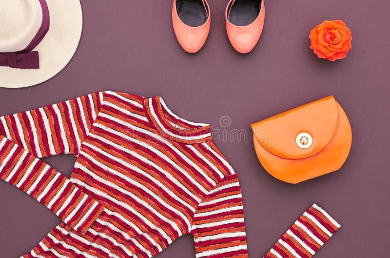 Insieme di modo Vista superiore Autumn Outfit alla moda retro fotografie stock libere da diritti