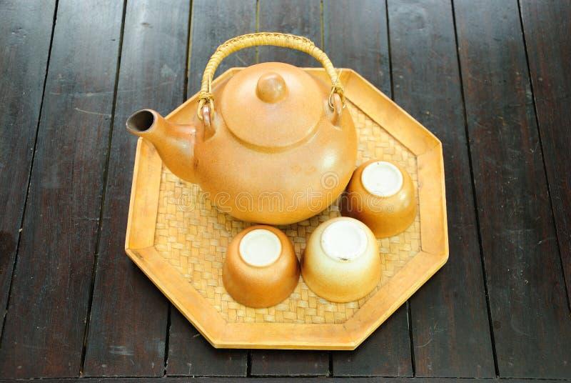 Insieme di tè cinese con il POT e le tazze fotografia stock