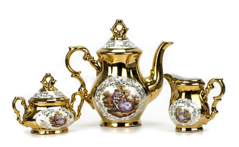 Insieme di tè della porcellana su bianco fotografia stock libera da diritti