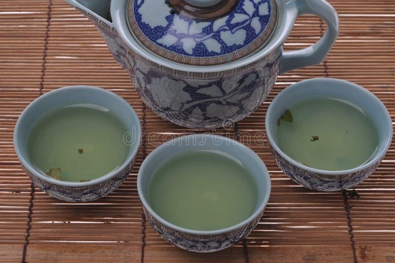 Download Insieme di tè di Kung Fu fotografia stock. Immagine di zona - 56877340