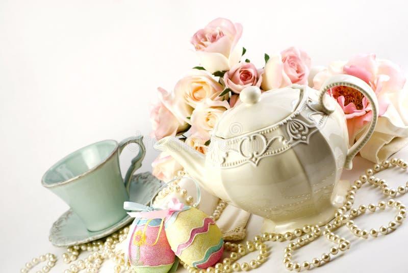Insieme di tè di Pasqua immagine stock libera da diritti