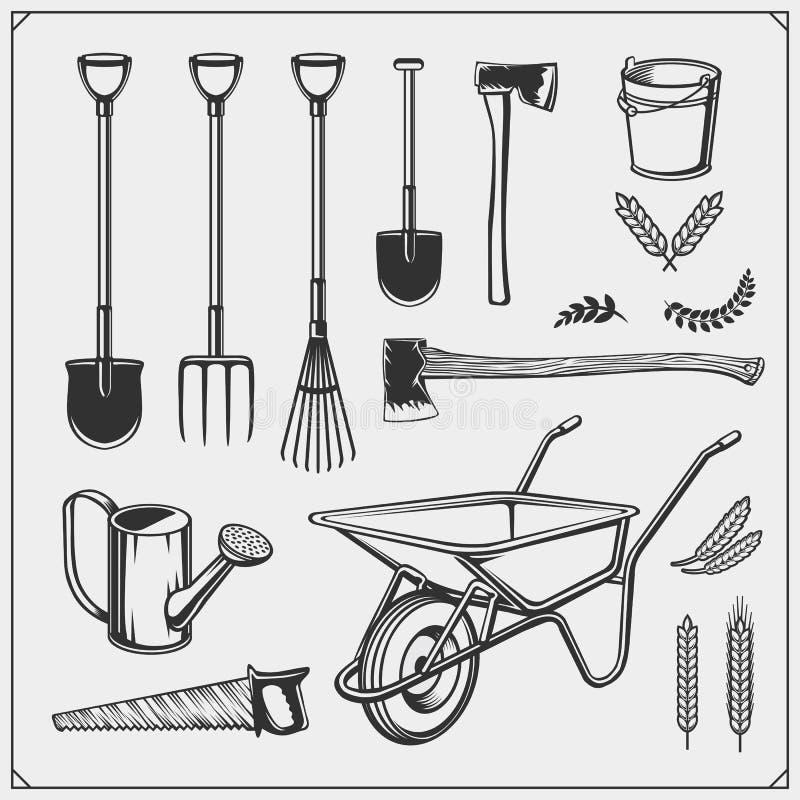 Insieme di vettore degli strumenti di giardino e dell'azienda agricola illustrazione vettoriale