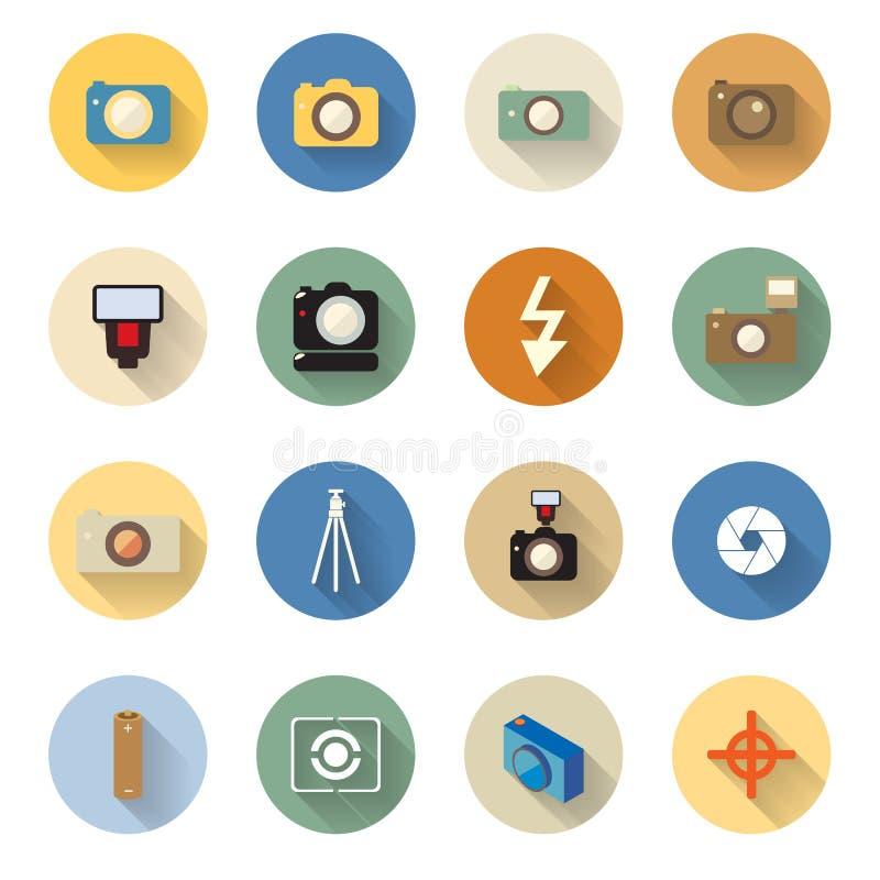 Insieme di vettore delle icone della macchina fotografica nella progettazione piana con le ombre lunghe illustrazione vettoriale