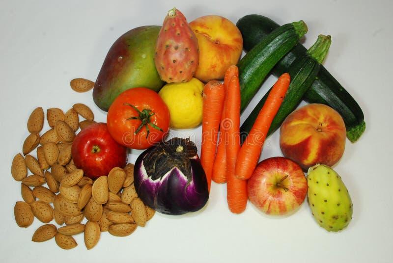 Insieme interessante di frutta Mediterranea tipica immagine stock libera da diritti