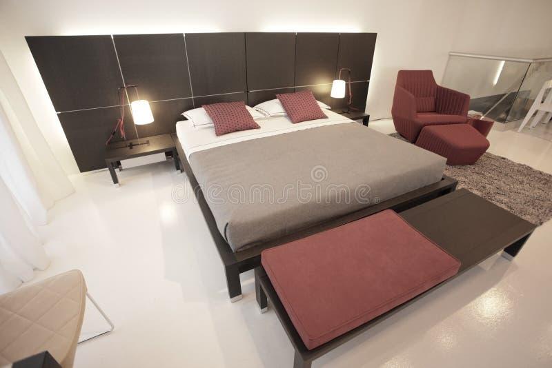 insieme moderno della camera da letto fotografie stock libere da diritti