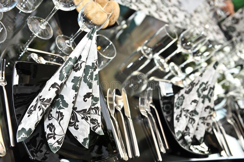 Insieme operato della tabella di pranzo di cerimonia nuziale fotografia stock