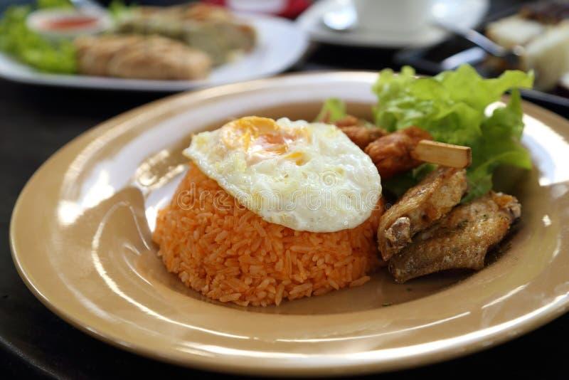 Insieme stile americano della prima colazione, riso fritto fotografia stock