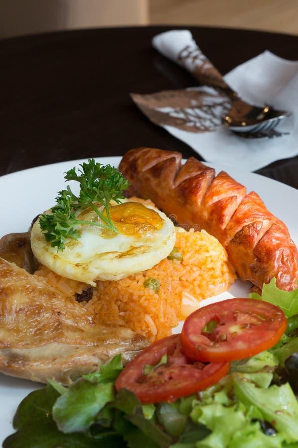 Insieme stile americano della prima colazione, riso fritto fotografia stock libera da diritti