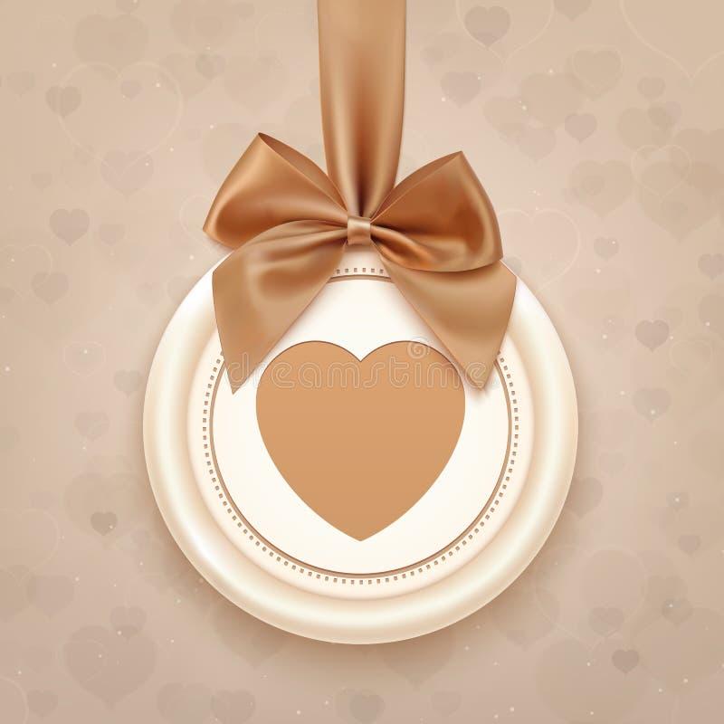 Insigne avec le coeur, le ruban d'or et un arc illustration libre de droits