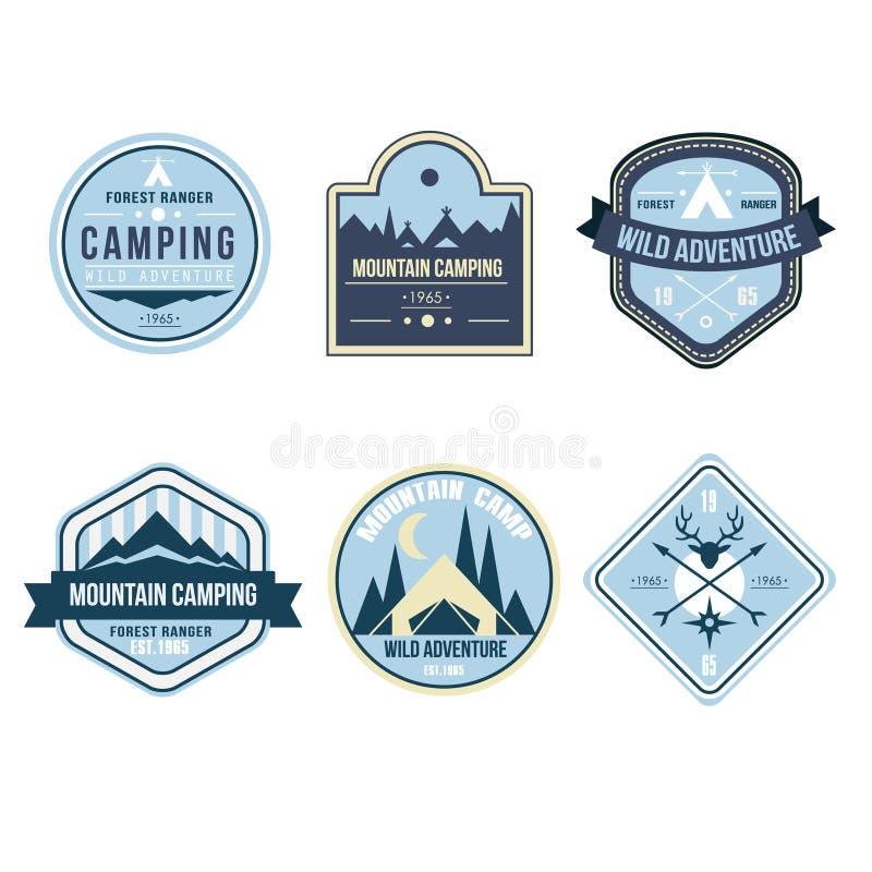 Insignes et Logo Emblems extérieurs de camp de vintage illustration libre de droits