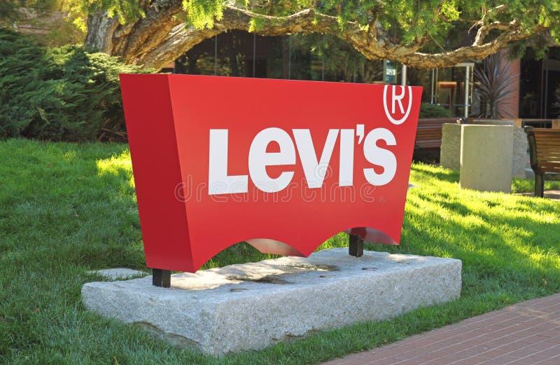 Insignia de Levi's en la jefatura fotos de archivo libres de regalías