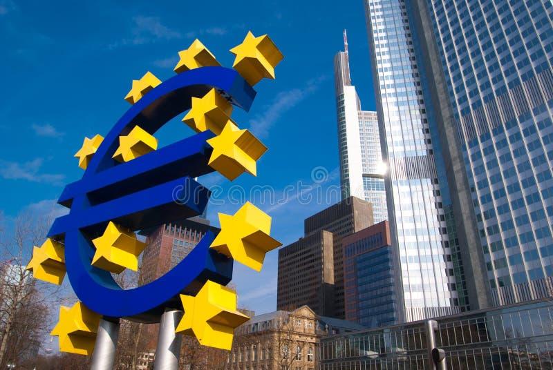 Insignia EURO en Frankfurt-am-Main fotografía de archivo libre de regalías