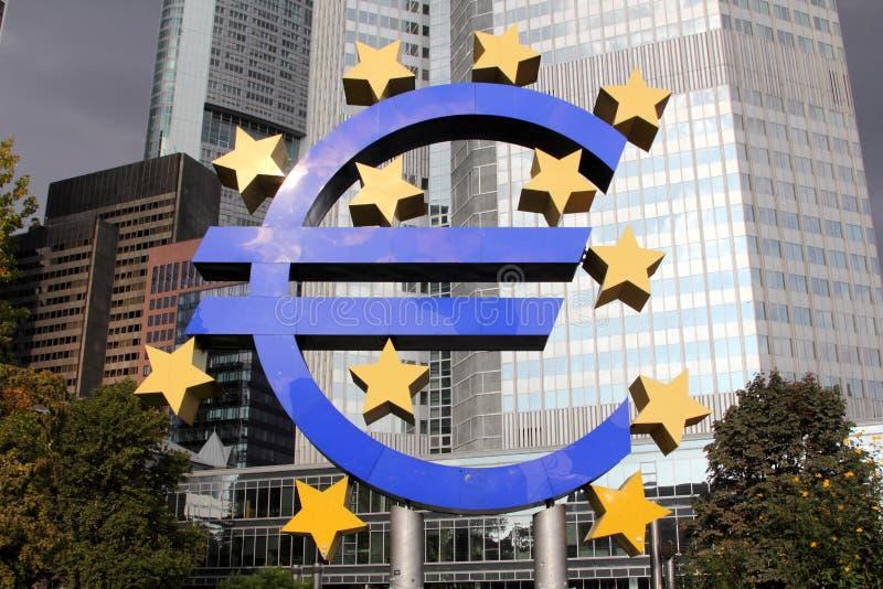 Insignia EURO en Frankfurt-am-Main imagen de archivo libre de regalías