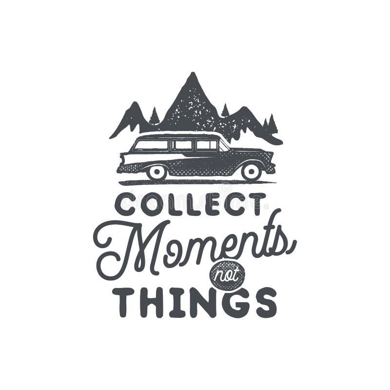 Insignia y emblema que acampan dibujados mano del vintage Caminar la etiqueta Logotipo inspirado de la aventura al aire libre Est libre illustration