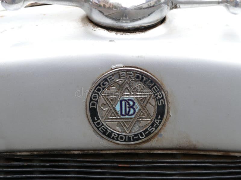 Insignias antiguas de un coche de los hermanos de Dodge, Lima imagenes de archivo