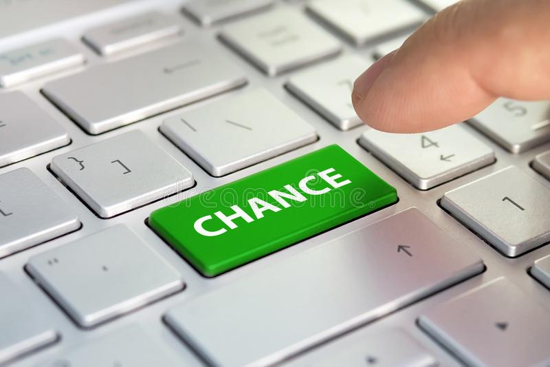 Inskrypcja na klawiaturowej szansie, palec naciska klucz na laptopie pojęcie sukces online zdjęcia stock