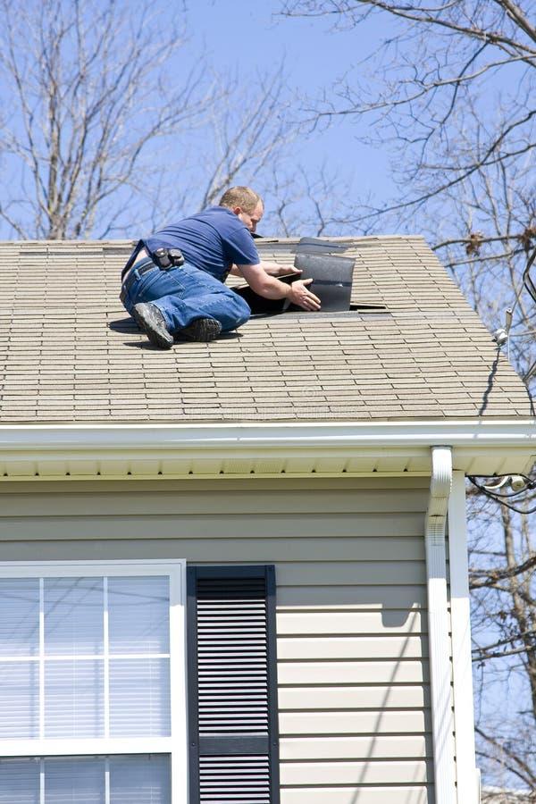 Inspecteur de toit photographie stock